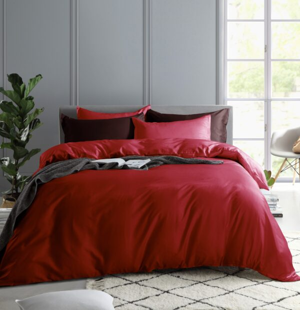 Solid Color Duvet Cover and Fitted Sheet Set 400 Thread Count Cotton Sateen – Perfect Red